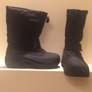 Like new snowcloud3. Snow boots